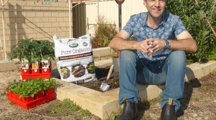 Scotts Australia – Pure Organic Compost & Soil Improver